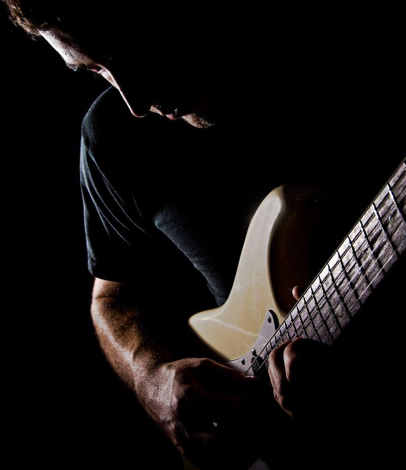 A-Color-Guitar Player-033